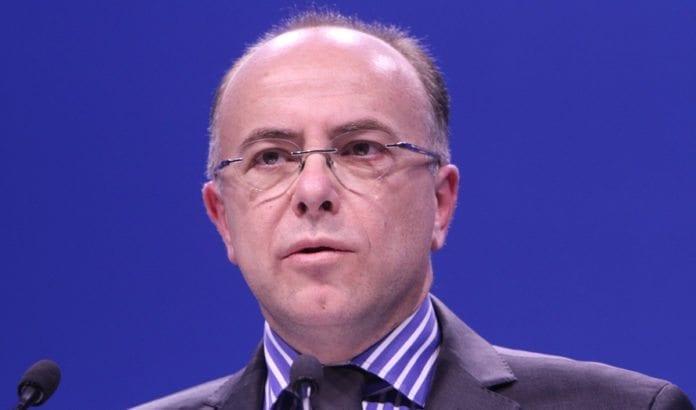 Frankrikes innenriksminister Bernard Cazeneuve bekrefter at ran og voldtekt mandag var antisemittisk motivert. (Foto: Parti Socialiste / Flickr.com)