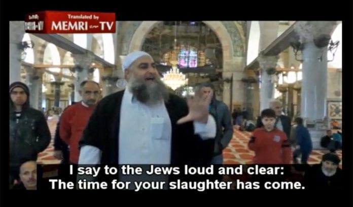 Palestinsk predikant i Klippemoskeen oppfordrer til utryddelse av jødene. (Foto: Skjermdump fra MEMRI TV / YouTube)