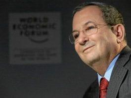 Tidligere statsminister Ehud Barak rykker ut med støtte til Isaac Herzog som statsministerkandidat. (Foto: World Economic Forum)