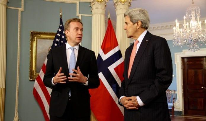 Utenriksminister Børge Brende og USAs utenriksminister John Kerry. (Foto: Frode Overland Andersen/UD, flickr)