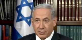 Statsminister Benjamin Netanyahu blir intervjuet av en amerikansk tv-kanal søndag 5. april 2015. (Foto via Israel Hayom)