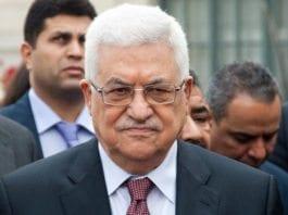 Mahmoud Abbas er i hardt vær om dagen, men ble likevel gjenvalgt som PLO-leder. (Foto: Olivier Pacteu / Flickr.com)