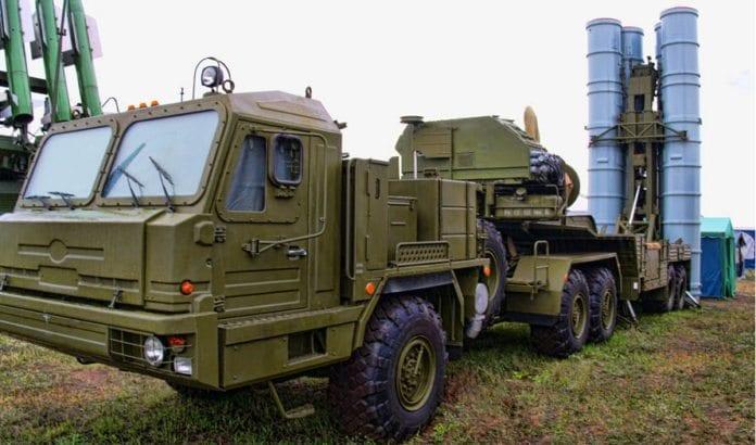 Komponenter til det russiske missilsystemet S-300 (Foto: Andrey Korchaging / Flickr.com / CC)