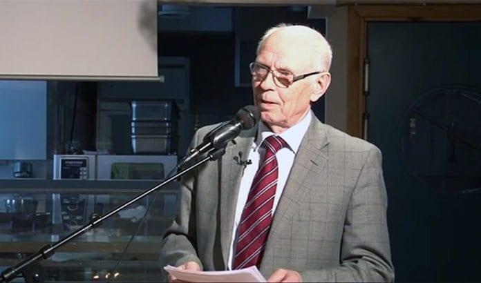 Asbjørn Nordgård holder foredrag i MIFF Oslo. (Foto: Skjermdump fra YouTube)