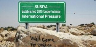 Vil dette bli det nye veiskiltet ved Susiya? (Foto: Jerusalem Post)