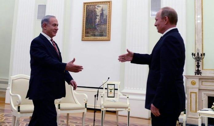 Benjamin Netanyahu og Vladimir Putin under et møte i november 2013. (Foto: Kobi Gideon, GPO)