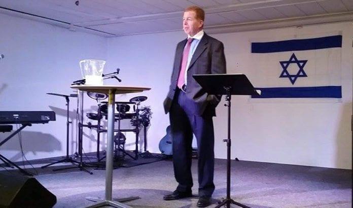 Ambassadør Raphael Schutz taler i MIFF Vestfold 2. september 2015. (Foto: Torben von Huth)