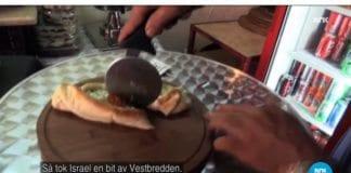En palestinsk pizzabaker forteller historien med pizzahjul. (Skjermdump fra NRK Urix 30. september 2015)