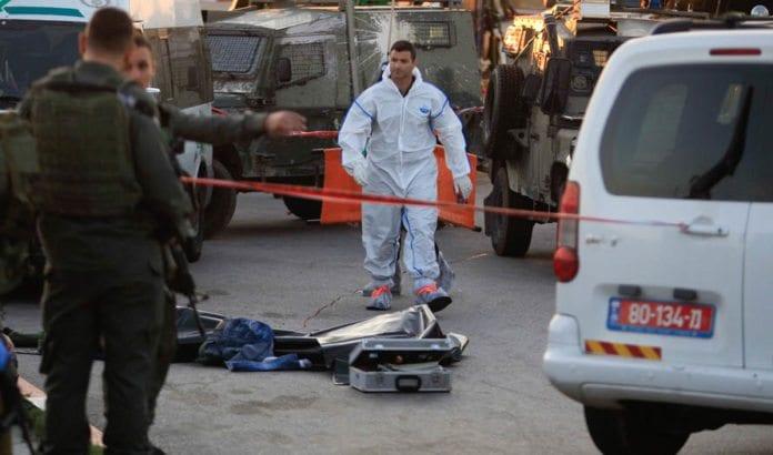 Her ble en israeler drept og flere skadet i knivangrep mandag ettermiddag, langs vei nr 443 mellom Jerusalem og Tel Aviv. (Foto: Flash90)