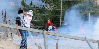 Det israelske forsvaret bruker tåregass mot israelske steinkastere. (Illustrasjonsfoto: IDF / Flickr.com)