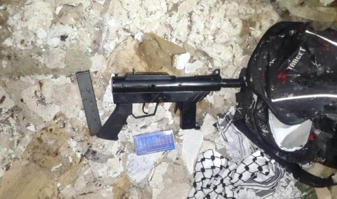 Ifølge israelsk etterretning ble dette skytevåpenet brukt i et angrep mot israelske soldater utenfor Tulkarem 20. januar. (Foto: Shin Bet)