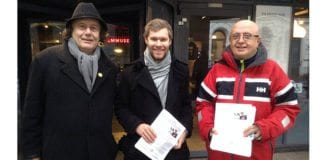 Edvard Dæhlin, Eirik Semb og Ole Jacob Grøgaard fra MIFF Oslo var med på markeringen utenfor Filmens hus lørdag ettermiddag. (Foto: Vigdis Wilhelmsen)