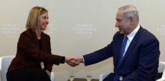 Benjamin Netanyahu og Federica Mogherini da de møttes under World Economic Forum i Davos 21. januar i år. (Foto: GPO / Flickr.com)