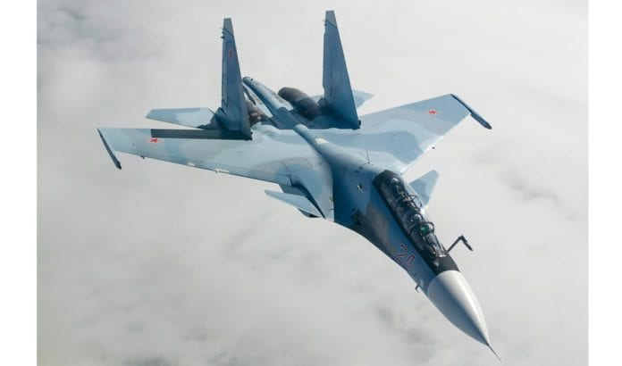 Russisk jagerfly av typen Sukhoi Su-30 SM. (Foto: Wikimedia Commons)