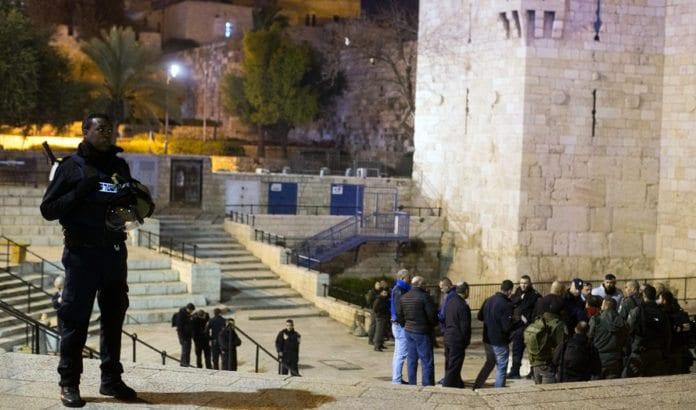 3. februar ble området ved Damaskus-porten på ny åstedet for et terrorangrep. Dette bildet ble tatt etter knivangrepet ved Damaskus-porten 30. januar 2016. (Foto: Yonatan Sindel, Flash90)