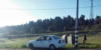 Denne bilen ble brukt til å kjøre på israelske soldater i et angrep fredag 5. mars 2016. (Foto: Israel Hatzolah / Twitter)