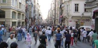 Istiklal-gaten i Istanbul, hvor en selvmordsbomber fra IS angrep en gruppe israelske turister 19. mars. (Illustrasjonsfoto: Wikimedia Commons)