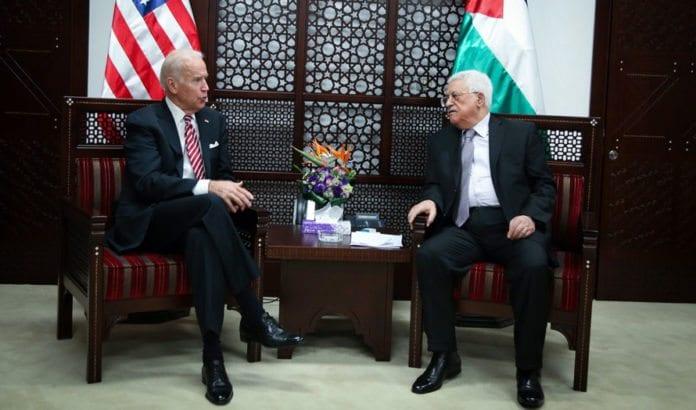 USAs visepresident Joe Biden møtte palestinernes president Mahmoud Abbas onsdag 9. mars. (Foto: Flash90)