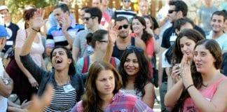 Israelere scorer høyt på lykke. (Illustrasjonsfoto: Louis Fisher, Flash90)