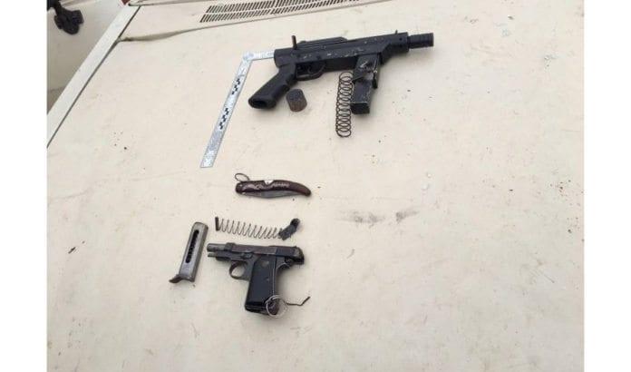 Disse våpnene ble brukt i skyteangrepet utenfor Kiryat Arba mandag morgen. (Foto: IDF)