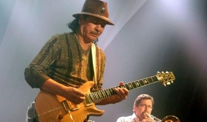Carlos Santana kommer til Israel 30. juni for å holde konsert (Foto: Benny Chandra, Flickr)