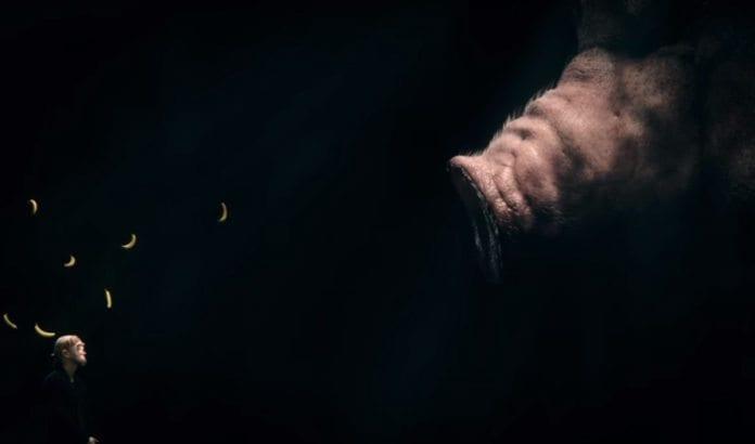 Skjermdump fra Karpe Diems musikkvideo til låten Attitudeproblem.