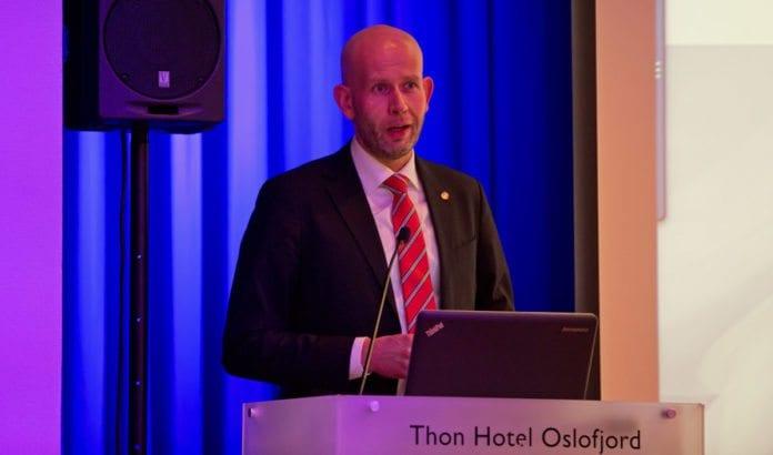 Olje- og energiminister Tord Lien besøkte MIFFs konferanse fredag 15. april 2016. (Foto: Tor-Bjørn Nordgaard)