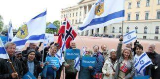 MIFF-medlemmer ønsker Israels daværende president Shimon Peres velkommen til Norge i mai 2014. (Illustrasjonsfoto: MIFF)