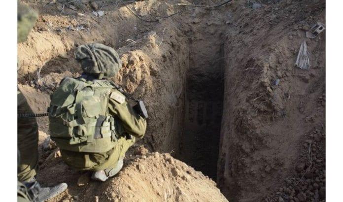 Dette er inngangen til en av terrortunnelene fra Gaza til Israel som ble funnet av israelske soldater under krigen sommeren 2014. (Foto: Det israelske forsvarsdepartementet / Flickr.com / CC)