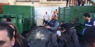Åstedet like etter terrorangrpet i Netanya torsdag 30. juni 2016. (Foto: Israel Hatzolah / Twitter)