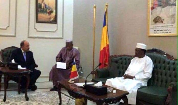 Dore Gold i møte med Tsjads president (Foto: Israelsk UD)