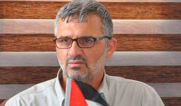 Muhammad Nazami Nasser ber om unnskyldning til det palestinske folk på Gaza-stripen. (Foto: Facebook/Times of Israel)