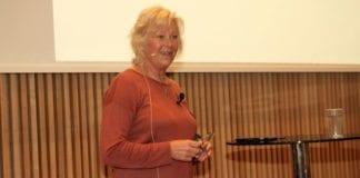 Astrid Salvesen Shwartz holdt foredrag om sine 30 år i Israel på MIFF Forum 2016. (Foto: Tor-Bjørn Nordgaard)
