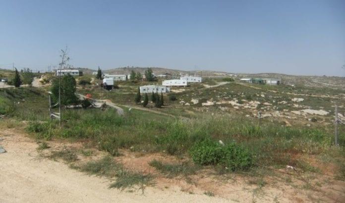 Den israelske regjeringen har vedtatt en omstridt lov, som legaliserer flere bosetninger og utposter bygget på ulovlig land. Men loven blir ikke godkjent av Høyesterett. (Foto: Wikipedia Commons)