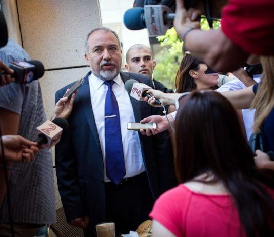 Forsvarsminister Avigdor Lieberman tror de siste ukers uroligheter langs Gazastripen nå er over. (Foto: Flickr)