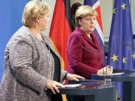 Statsminister Erna Solberg sammen med Tysklands rikskansler Angela Merkel i november 2016. (Foto: Statsministerens kontor, flickr)