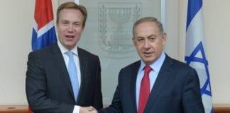 Utenriksminister Børge Brende og Israels statsminister Benjamin Netanyahu signerte torsdag en samarbeidsavtale. (Foto: Amos Ben Gershom, GPO)