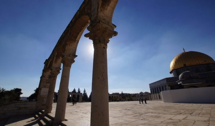 Islamske vakter liker ikke at ordet Tempelhøyden blir brukt på stedet der Al-Aqsa-moskeen og Klippedomen ligger (Foto: Jordan Pickett/Flickr)