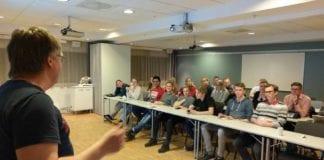 Engasjerte ungdommen samlet på Gardermoen for å lære mer om Israels argumenter..