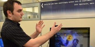 Intel Israel jobber med å utvikle hardware og software som gjør at en PC kan kontrolleres med armbevegelser. (Illustrasjonsfoto: Intel, flickr)
