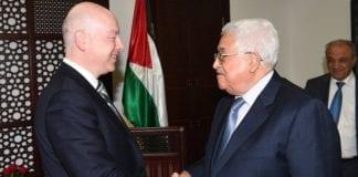Trumps spesialutsending til Midtøsten, Jason Greenblatt, møtte Mahmoud Abbas tirsdag. (Foto: Twitter)
