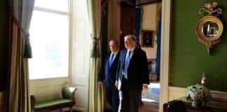 Trump kutter ikke i den militære bistanden til Netanyahu og Israel. Her fra et møte i Det hvite hus. (Foto: Avi Ohayon/Flickr)
