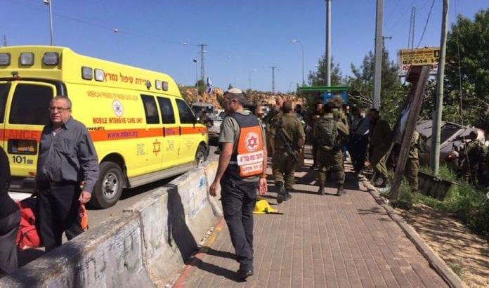To personer ble påkjørt i det som fremstår som et terrorangrep. (Foto: Magen David Adom)