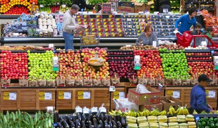 Supermarked i Tel Aviv kan holde åpent på sabbaten har høyesterett bestemt. (Foto: Dean Hochman/Flickr)