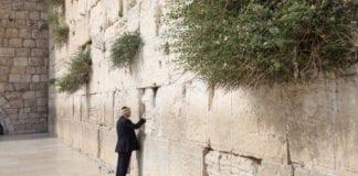 USAs president Donald Trump besøkte den jødiske helligdommen Vestmuren. (Foto: Skjermdump Twitter)