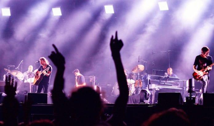 Den britiske rockegruppen Radiohead vil ikke avlyse konserten sin i Israel. (Foto: Arend Kuester/Flickr)