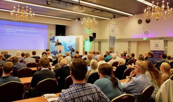 Jan Benjamin Rødner holdt lørdag et foredrag på Israelkonferansen om zionismens historie. (Foto: Bjarte Bjellås)