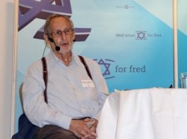 Den israelske forfatteren Benjamin Pogrund var siste taler på MIFFs Israelkonferanse. (Foto: Bjarte Bjellås)