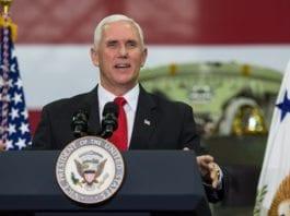 Visepresident Mike Pence gjentok løftet om å flytte ambassaden i en tale til kristne Israel-venner i USA. (Foto: Aubrey Gemignani/Flickr)