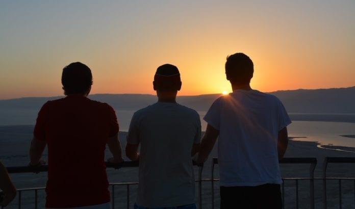 Deltakerne måtte stå opp klokken 4 på natta for å være tidlig nok oppe til å få med seg soloppgangen, men det var verdt det. (Foto: Nadia Fugleberg)